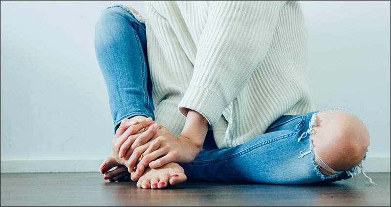 Top of Foot Pain Causes, Symptoms and Treatment
